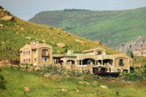 Sterkfontein Dam Nature Reserve - Wild Horses Guest Lodge